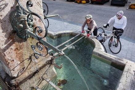 Fontaine de la place de l'Hôtel de Ville