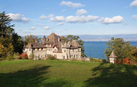 Montjoux Castle