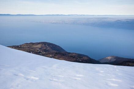 Snowshoeing on the Mémises ridge
