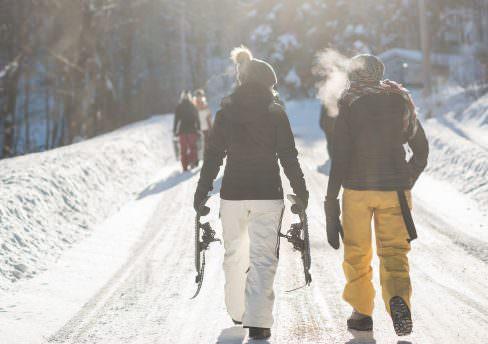 ski raquettes neige-unsplash